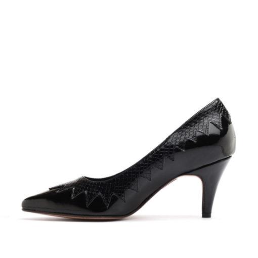 Stilettos de charol color negro RALLYS