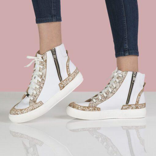 Zapatillas botitas en cuero blanco con suela