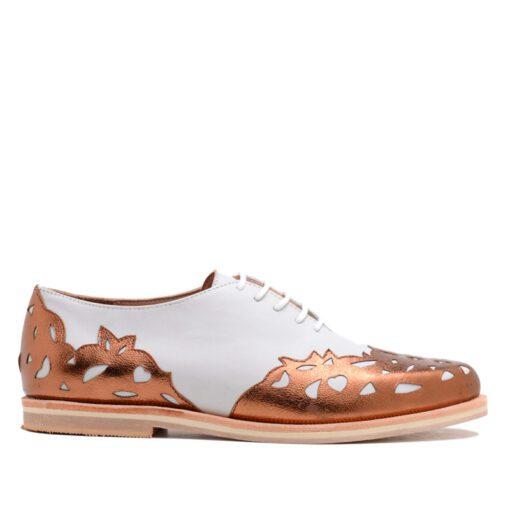 Zapatos bajos color blanco y cobre RALLYS