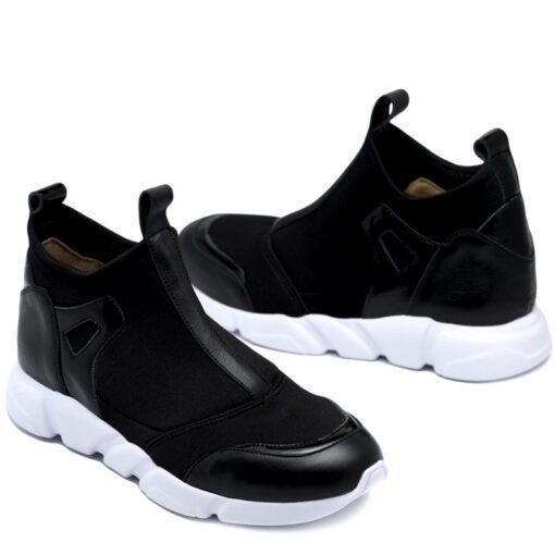 Zapatillas negras elastizadas con detalles en cuero RALLYS