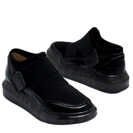 Botitas sport para Mujer en color negro con velcro