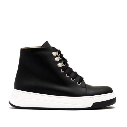 Botitas tipo zapatillas en negro RALLYS