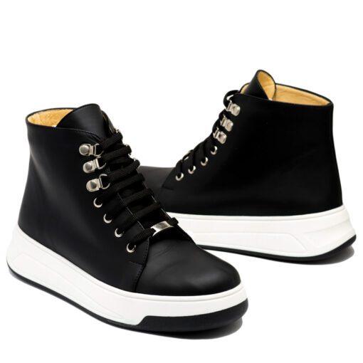 Zapatillas tipo botitas en cuero negro RALLYS
