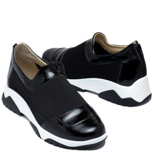 Zapatillas en charol negro con cierre RALLYS